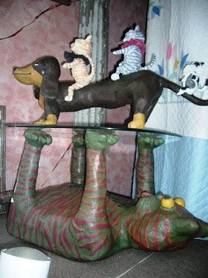 funny furnitures curious02 - �ok �lgin� Masa Sehpa Tasar�mlar�