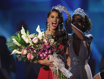 miss universe 2009 - miss venezuela Stefania Fernandez