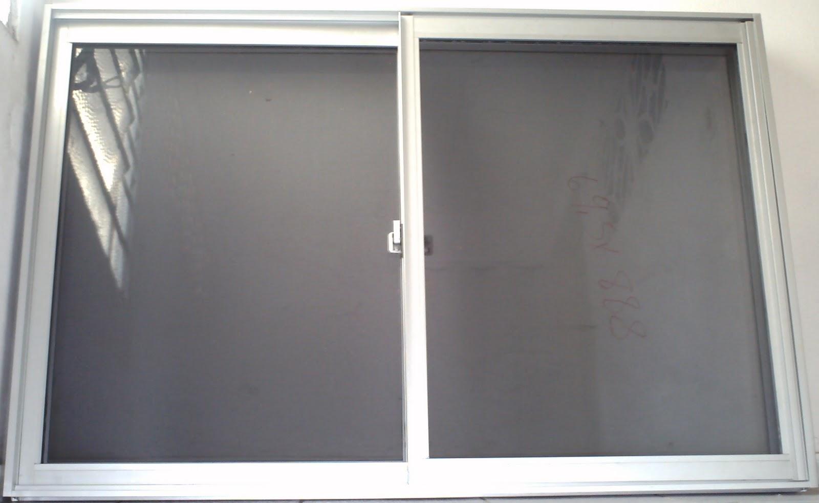 #6D6A5E Janela de duas folhas corrediça com vidro fumê 896 Ncm Janela De Aluminio Com Vidro