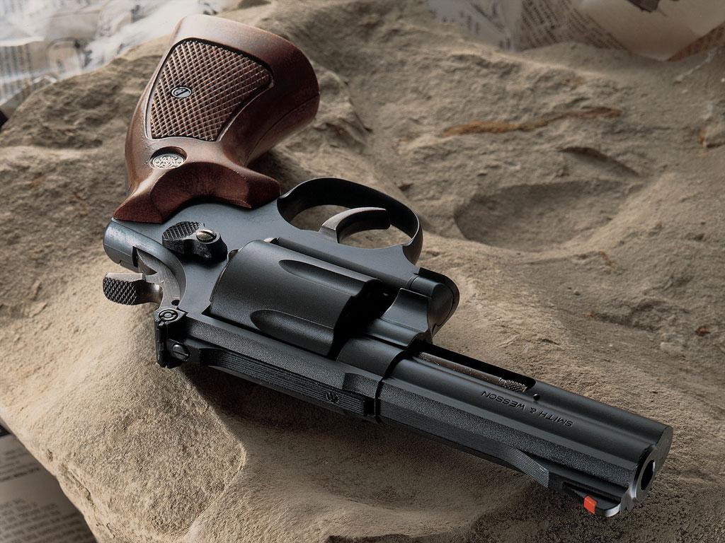 http://1.bp.blogspot.com/_b-YuSdvMmaQ/SwjNBqLUcDI/AAAAAAAADWM/hm7GfWTfniA/s1600/Gun+%2827%29.jpg