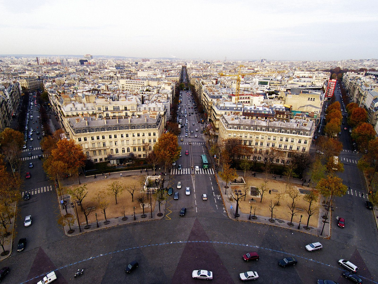 Aerial+View+of+Place+de+l_Etoile,+Paris,+France.jpg (1600×1200)