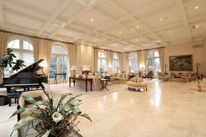 Elegant House and Minimalist