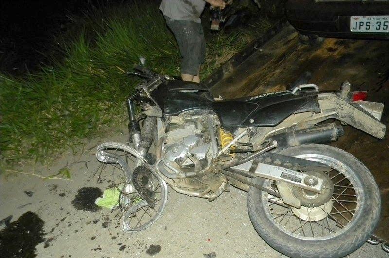 Accidente Fatal en Monte Hermoso: Un jovén motociclista murió tras chocar con un camión