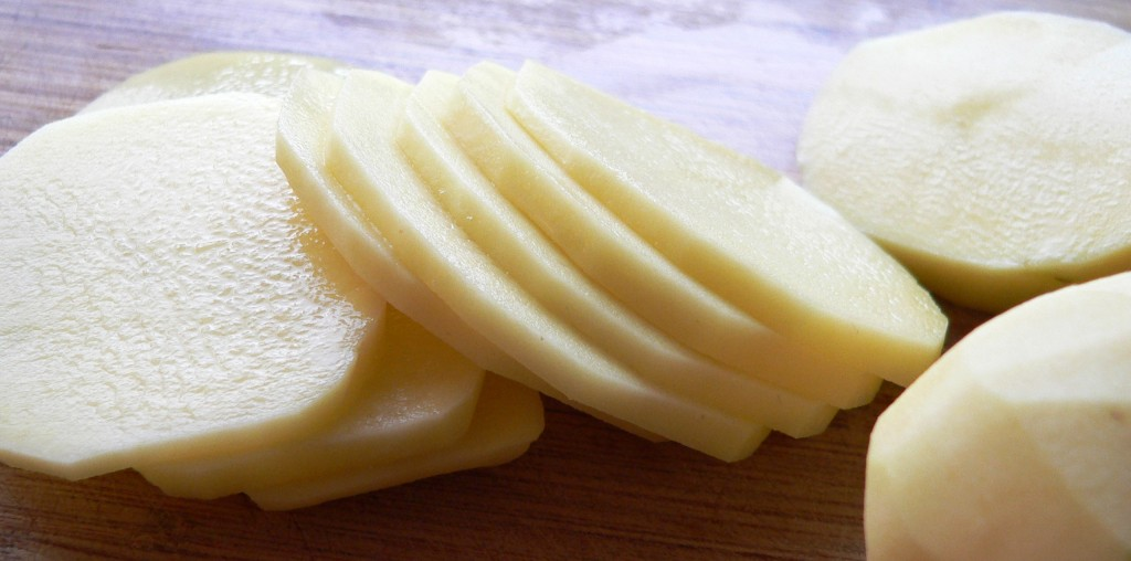Cut potato slices for chips