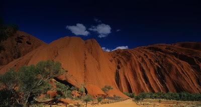 Bing background images Uluru