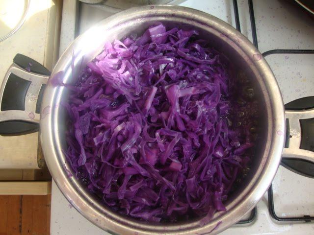 K�rm�z� lahana salatas� tarifi(resimli)
