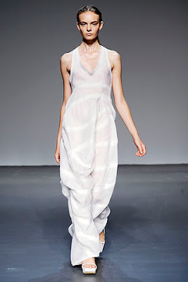 minimalist design, fashion trend spring summer 2010 by calvin kleine