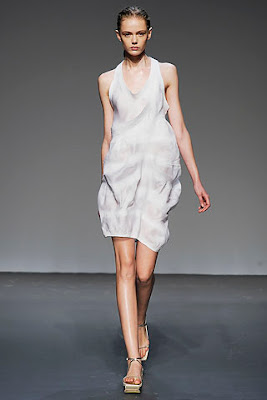 white dress in minimalist design, calvin klein spring summer collection 2010