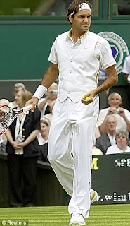 fashion at wimbledon 2009, roger federer in multi pocketed jacket