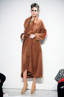 luxurious camel coat by Stephen Burrows, autumn 2009 fashion trends