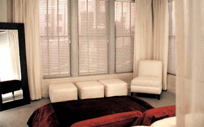 Sex and the City - Samantha Jones living room space