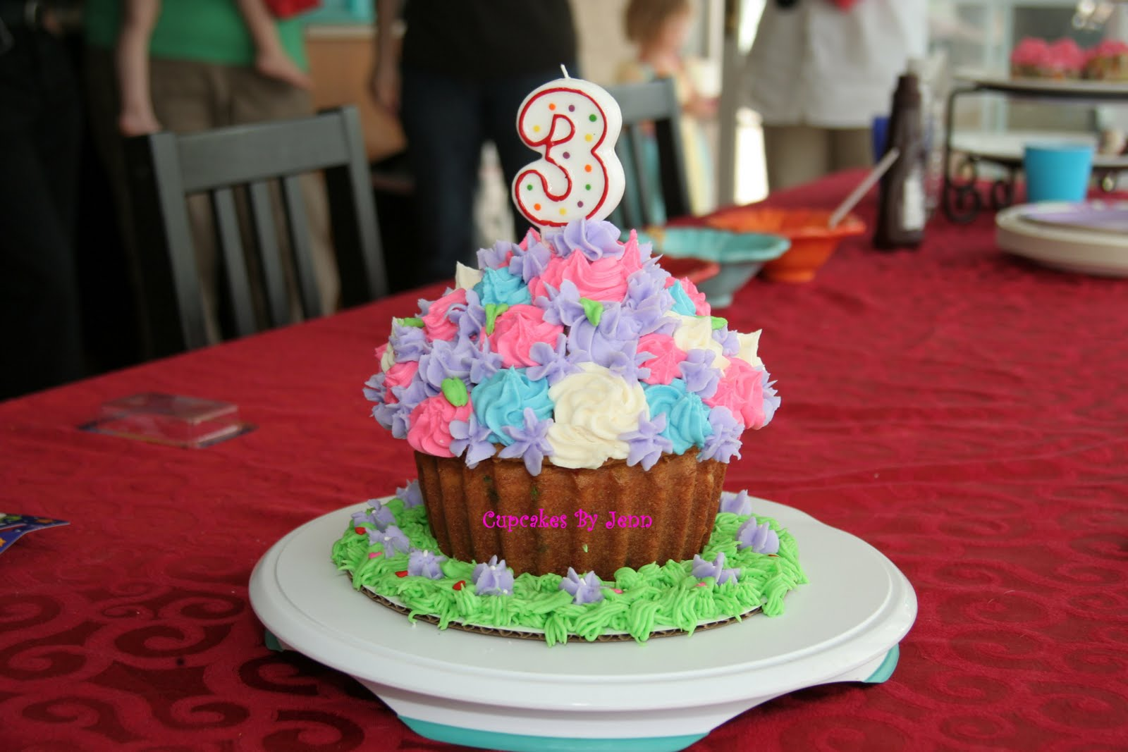 Dotti Mae Cupcakes: 3rd Birthday Cupcake Party!