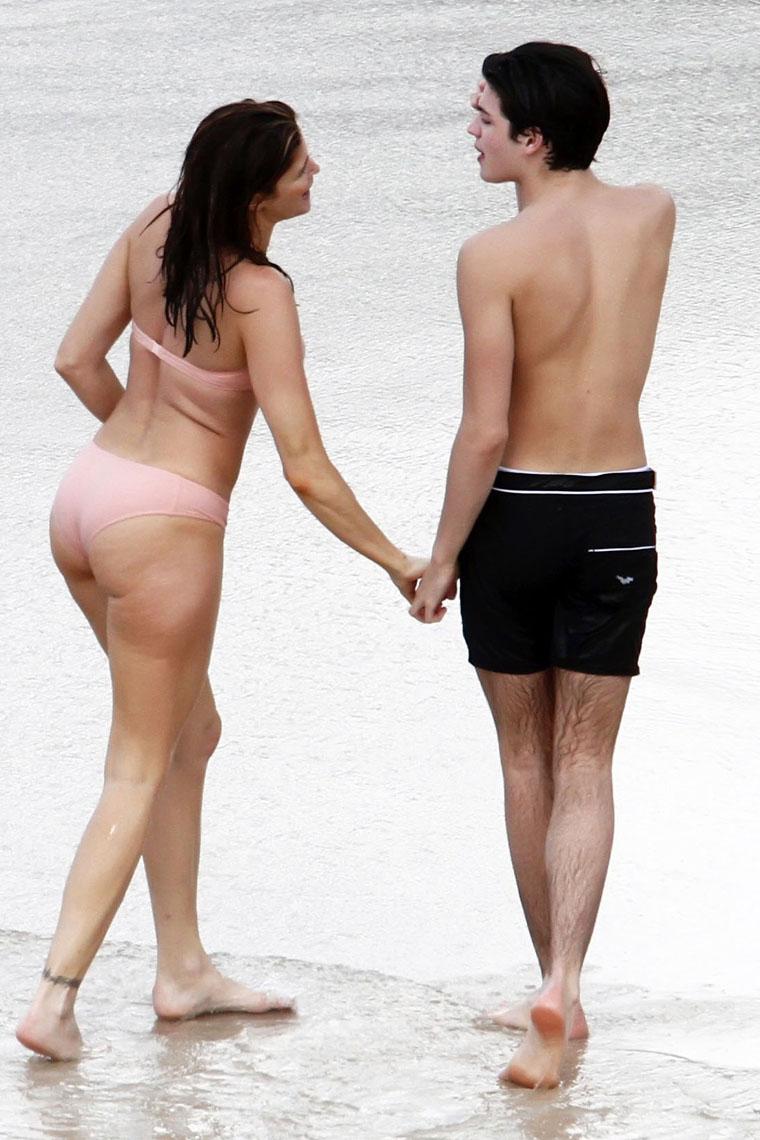 Gay bars on the beach