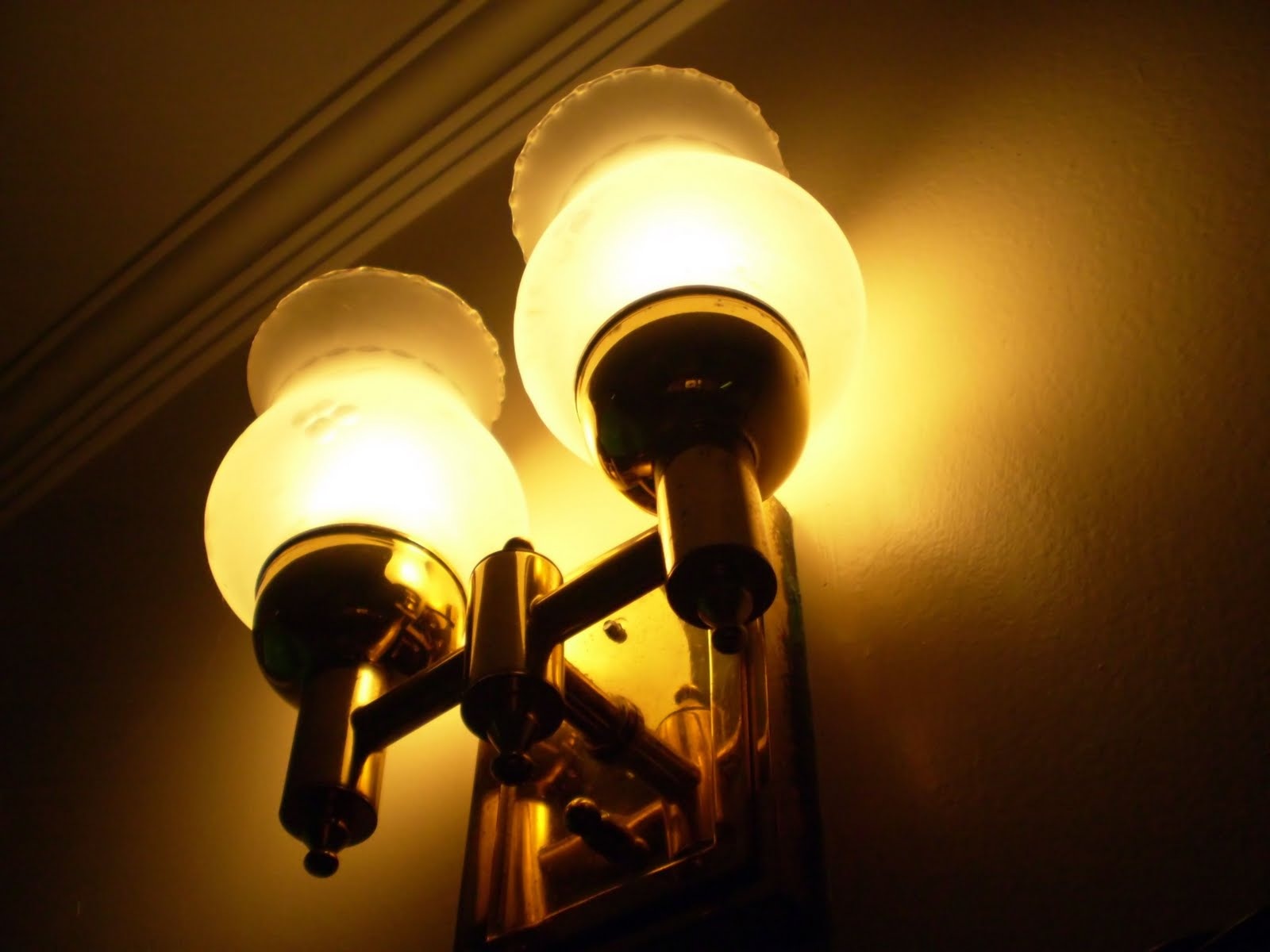 Old-fashioned Lighting at Home: May 2010