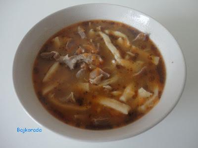 Zupa a la flaczki z domowym makaronem