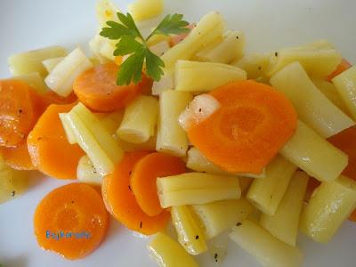 Sałatka z fasolki szparagowej i marchewki