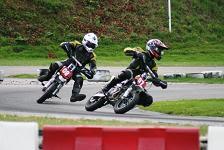 het Pitbike-team van Penta College Oude Maas in aktie