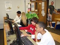 afbeelding van gamende leerlingen