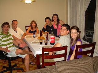 Todos a la mesa con unas empanadas