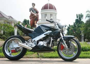 HONDA CBR150 STREET FASHION