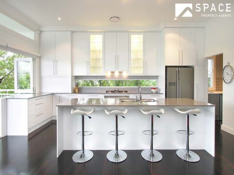 Driftwood interiors everything old is new again for Kitchen ideas for queenslanders