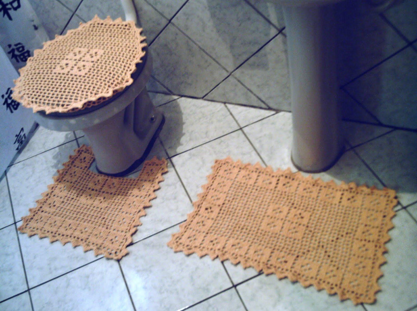 Quadros Artesanatos: Conjunto de banheiro 4 peças em barbante amarelo #956036 1600x1194 Banheiro Com Detalhes Em Amarelo