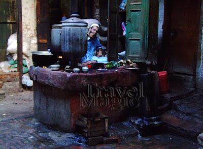 pakistan-tea-peshawar-samovar-culture-travel