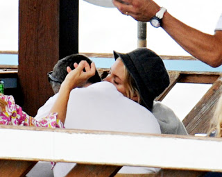 Sienna Miller and Balthazar Getty Snapped Kissing During Vacation