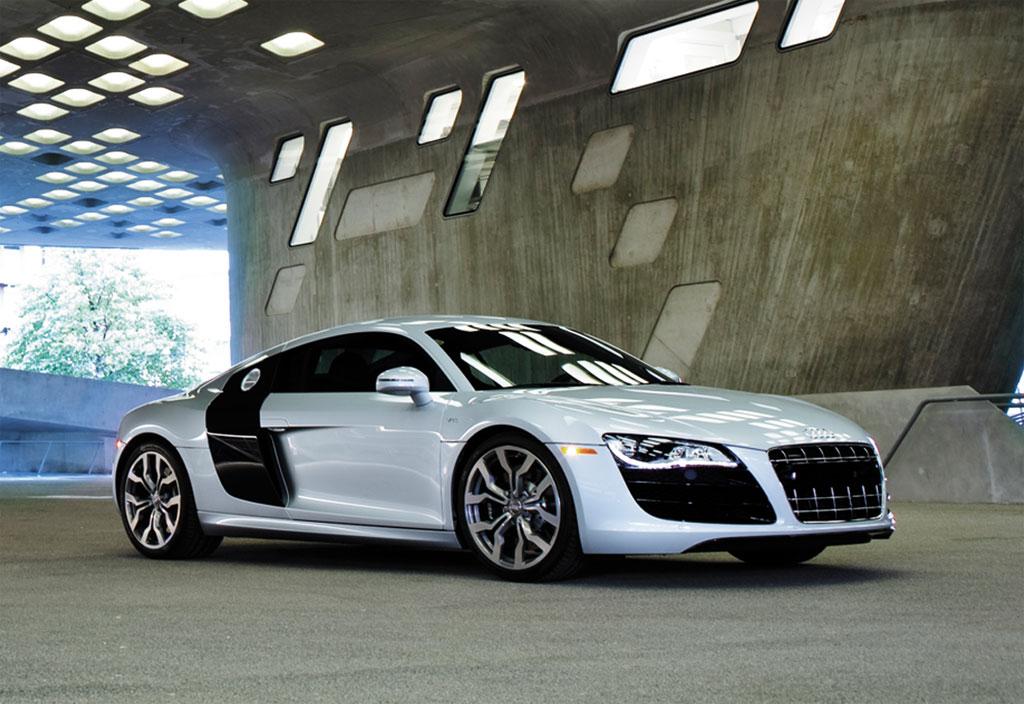 Audi R8 5.2FSI Photos