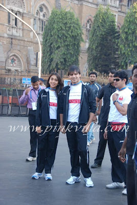 Vivek Oberoi and wife Priyanka Mumbai Marathon 2011