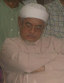 http://1.bp.blogspot.com/_bDRukoVnxf0/SXSvEdvpP8I/AAAAAAAAAMg/Po2ePVumF7g/s400/hadi_awang_tidur.JPG