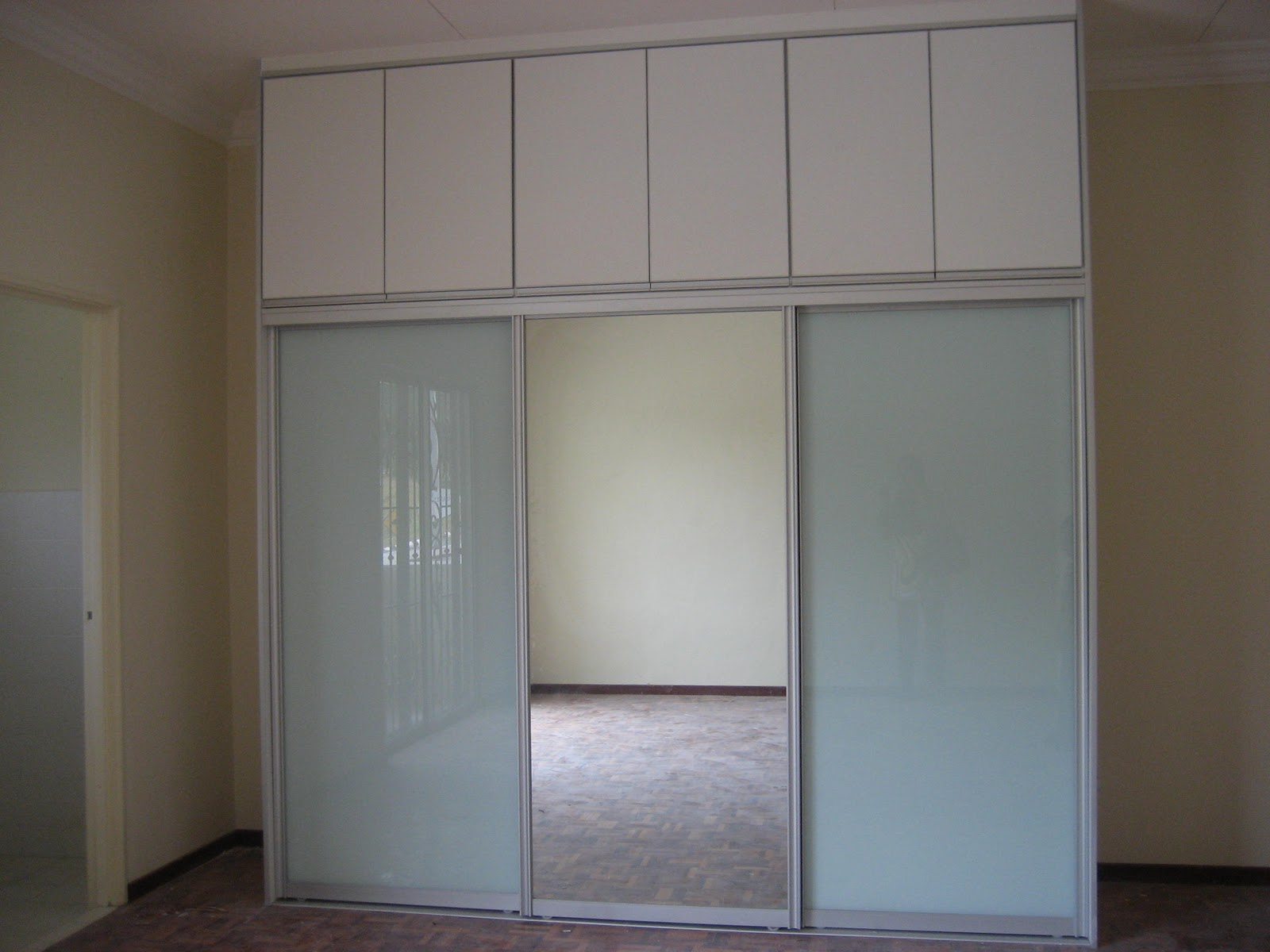 Wardrobe (cermin muka + cermin frosted)