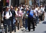 Το «ΠΑΡΕΜΠΟΡΙΟ STOP!» κατέβασε τους εμπόρους στο πεζοδρόμιο