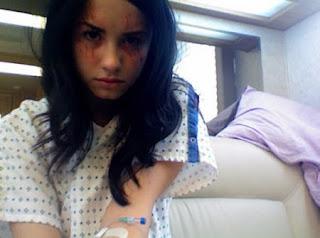 Demi Lovato History on Menina De Atitude  History  Demi Lovato Conta Como Superou A
