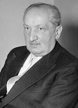MARTIN HEIDEGGER