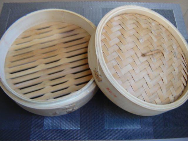recettes d 39 une chinoise panier en bambou pour la cuisson. Black Bedroom Furniture Sets. Home Design Ideas