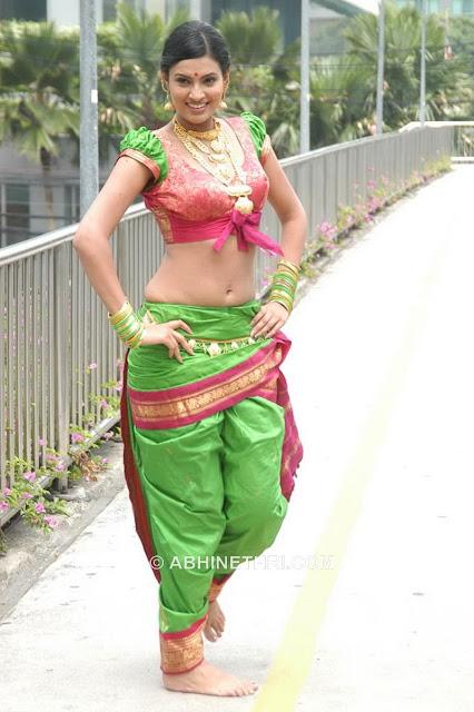 http://1.bp.blogspot.com/_bIK8ugMI-WY/SIYWg0bBgVI/AAAAAAAAECE/mfktb8x6Wrg/s1600/Sayali_Bhagat_22.jpg
