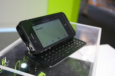 Nuu Mini-key turns iPhone 4 in QWERTY slider keyboard
