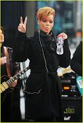 Accessing: Rihanna: Fotos de Rihanna ensaiando para suas perfomances no GMA: