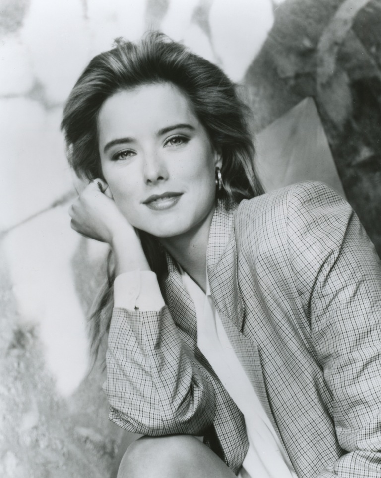 tea leoni a league of their own. Tea Leoni