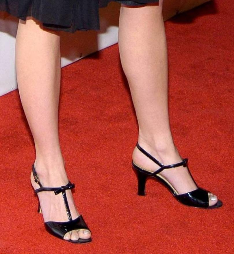 Hilarie burton feet