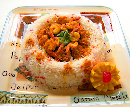 Shrimp curry in a fragrant basmati rice ring: Click on pic. for recipe