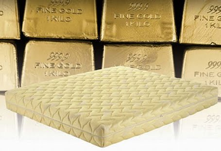 youu0027re looking at one of the most expensive mattresses in the world the gold mattress is made bymagniflex and has 22carat gold yarn cover and features