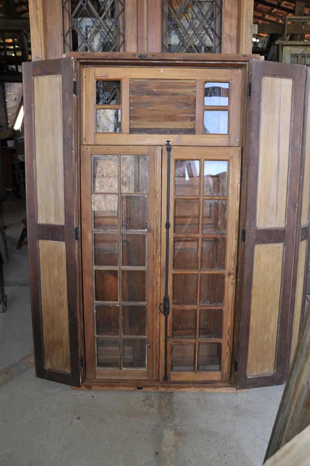 #80644B  passado em fase de acabamento em madeira mista pinho de riga e canela 1252 Portas E Janelas Em Madeira De Lei