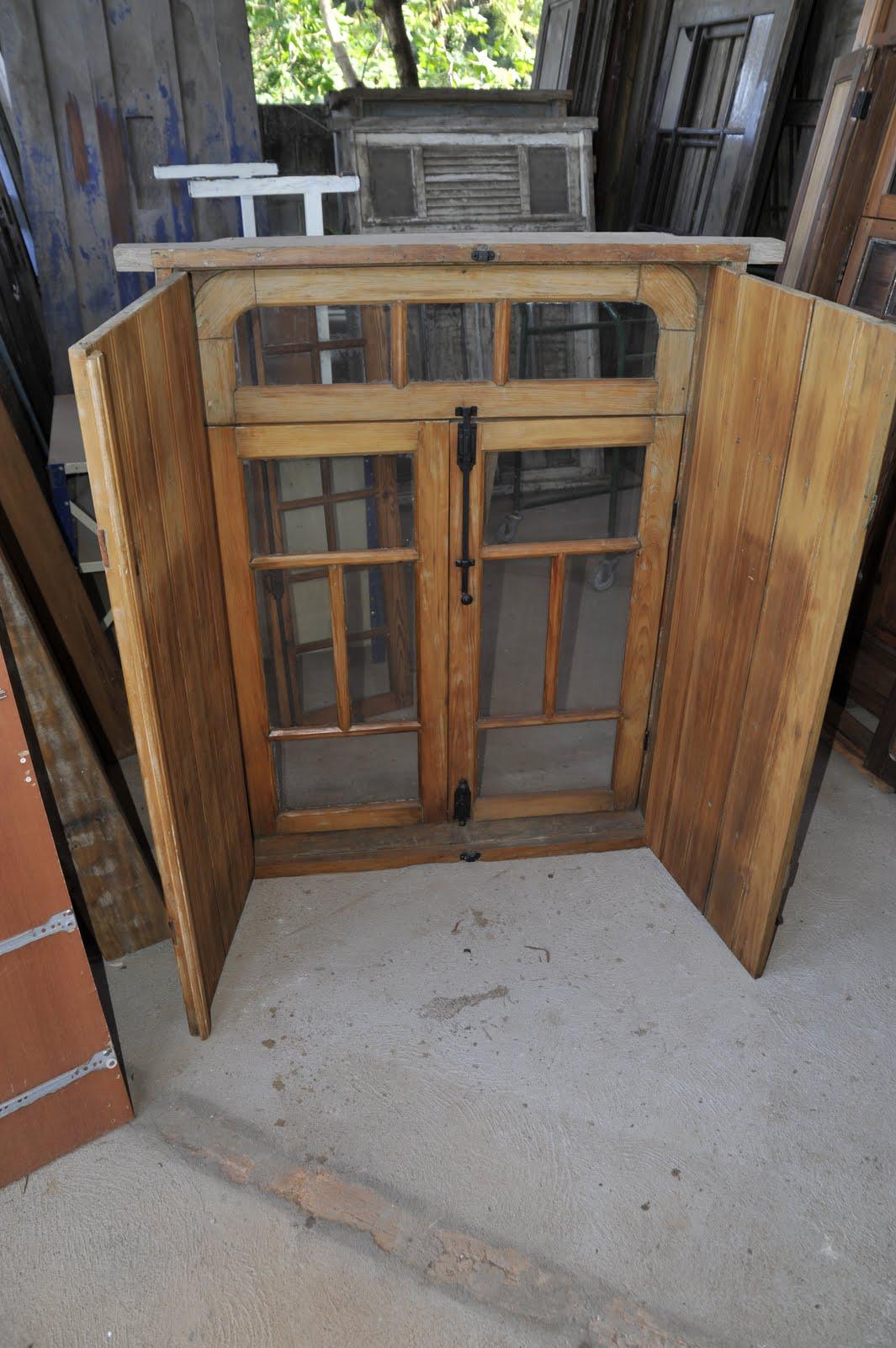 #82903B Portas e Janelas Antigas: Compra e Venda de porta e janelas antigas. 1252 Portas E Janelas Em Madeira De Lei