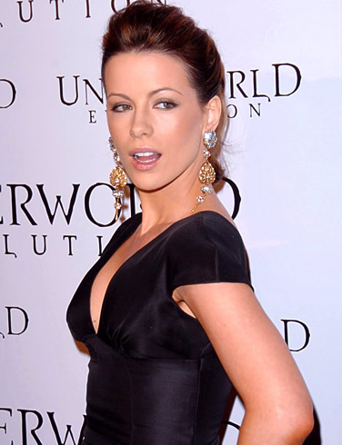 Which is your favorite Kate Beckinsale hairstyle?