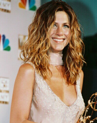 jennifer aniston hairstyle. jennifer aniston blonde hair