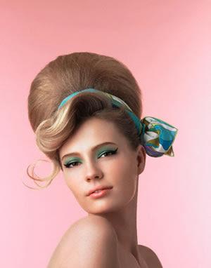 http://1.bp.blogspot.com/_bQ0SqifjNcg/SpjDnoKAeiI/AAAAAAAADHg/ibGlTQWkG8I/s400/beehive-hairstyle.jpg