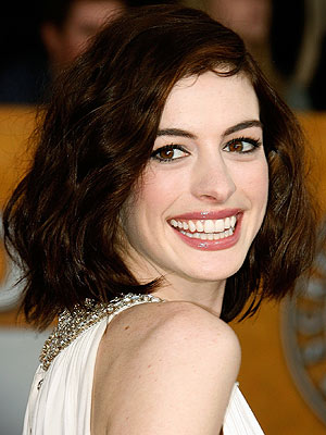 Great close up photo of Anne Hathaway's teeth.