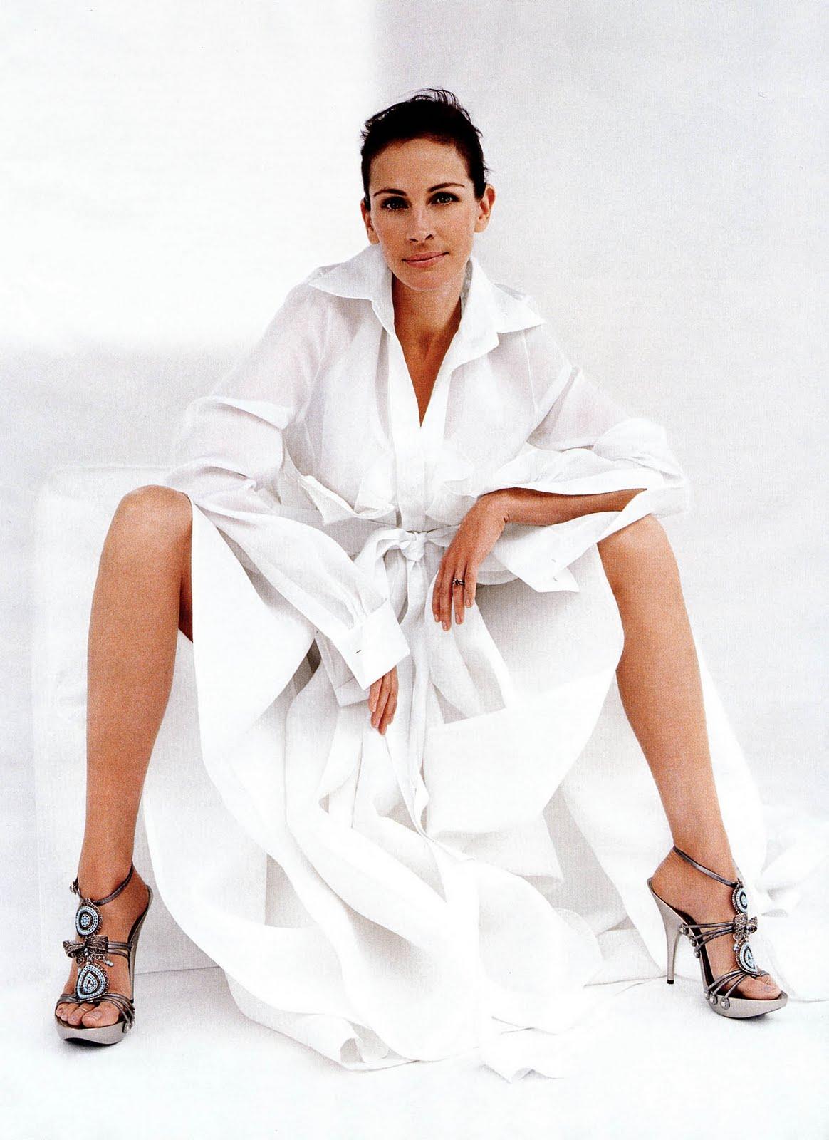 http://1.bp.blogspot.com/_bQ0SqifjNcg/TD_qQOLnExI/AAAAAAAAYa8/Cq_3zdelRCU/s1600/julia-roberts-feet-3.jpg